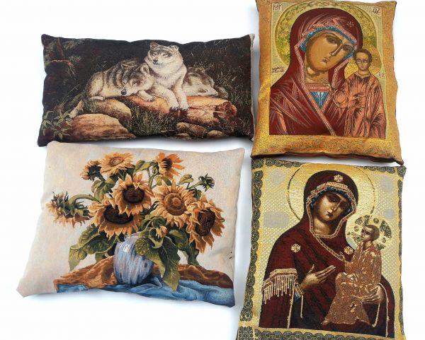 Декоративные подушки из гобелена  Волки