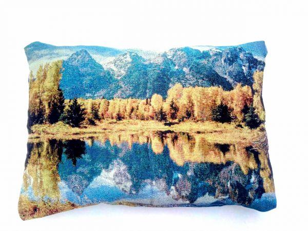 Декоративные подушки из гобелена Горное озеро